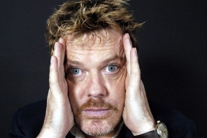 Eddie Izzard on learning Arabic for stand-up show